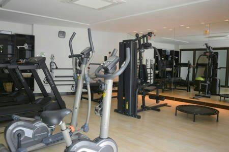 The fitness center and/or fitness facilities at Flat Rosarinho Prince Premium