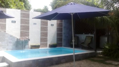 The swimming pool at or near Aguasclaras Residencial