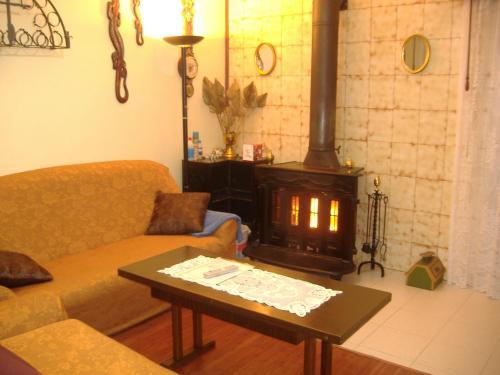 A seating area at casa el herrero alquiler