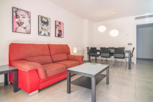 A seating area at Apartamentos Paraíso Mar