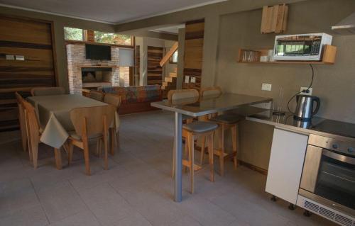 Una cocina o kitchenette en Villa Las Lengas