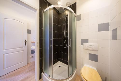 Ein Badezimmer in der Unterkunft Apartments Benkert