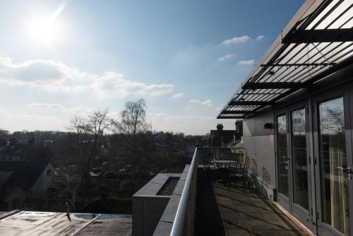 A balcony or terrace at Your Space Apartments – Hamiltons