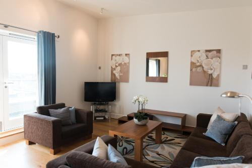 A seating area at Your Space Apartments – Hamiltons