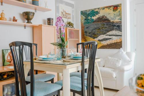 Un restaurante o sitio para comer en Apartamento Xauen