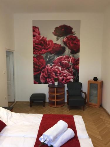 Ein Bett oder Betten in einem Zimmer der Unterkunft Rose Bed