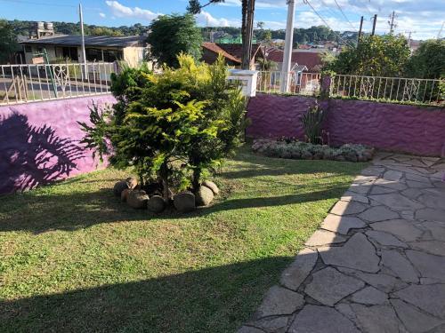 Jardín al aire libre en Casa na serra