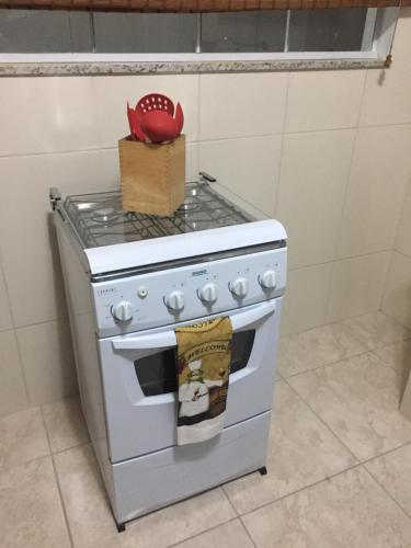 A kitchen or kitchenette at Apartamento Cantinho da Serra