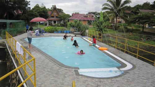 The swimming pool at or close to Horas Family Home