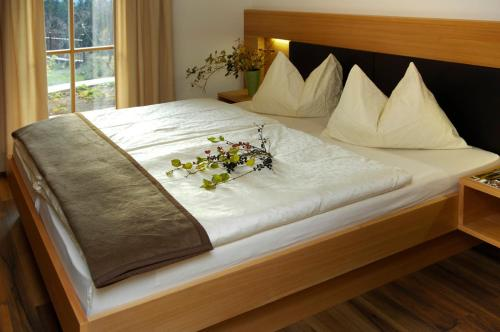 A bed or beds in a room at Villa Tilia