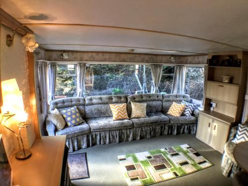 A seating area at Willow Mobile Home