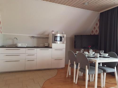 A kitchen or kitchenette at Willa Samana