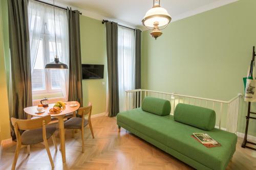 אזור ישיבה ב-Good Living Bucharest