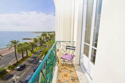Uma varanda ou terraço em PALAIS DE LA MER PROMENADE - PROMENADE HOLIDAY