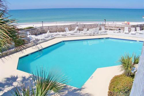 A view of the pool at Barrier Dunes Hideaway or nearby