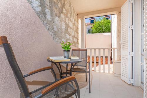 A balcony or terrace at Apartments Aquarius