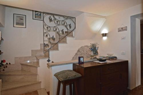 A kitchen or kitchenette at House in the Heart of Ovindoli