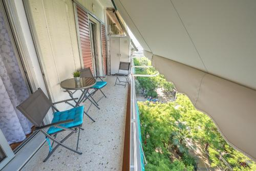 A balcony or terrace at Comfy Home in Vibrant Neighborhood