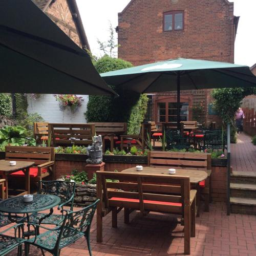 A restaurant or other place to eat at The Talbot Inn