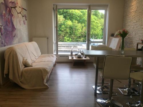 Uma área de estar em Luxury apartments in Prague