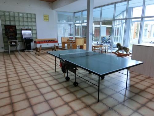 Ping-pong facilities at Haus Bergland or nearby
