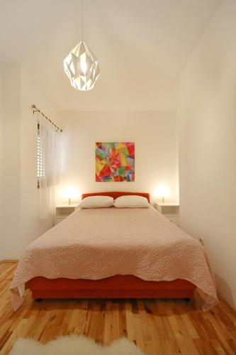 Ina Apartments