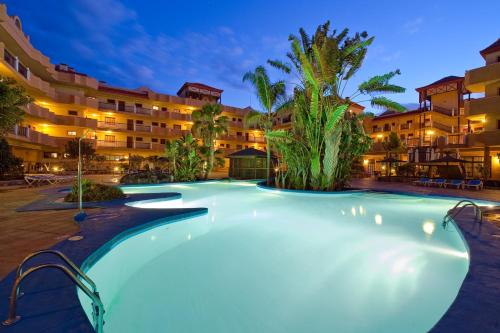 Piscina en o cerca de Elba Castillo San Jorge & Antigua Suite Hotel