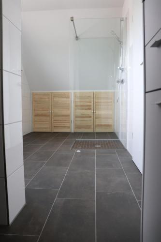 A bathroom at Ferienhaus am Alfsee