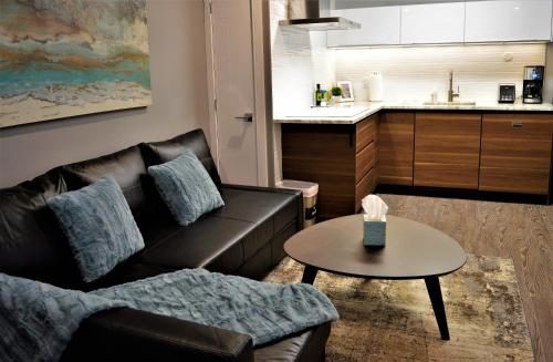 A seating area at Simply Luxury Stays