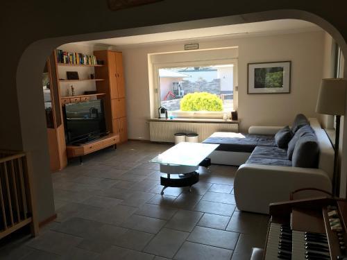 Ein Sitzbereich in der Unterkunft Haus Irmgard