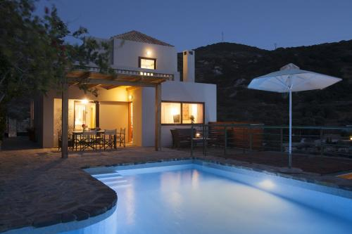 The swimming pool at or close to Istron Luxury Villas