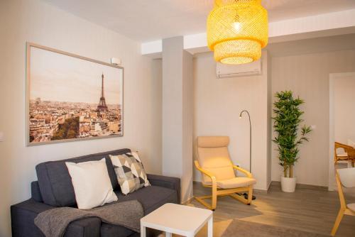 Apartamento Dolmen De Vieraにあるシーティングエリア
