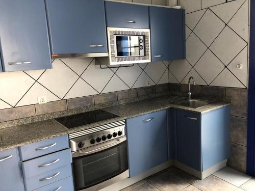 A kitchen or kitchenette at Villa Danko