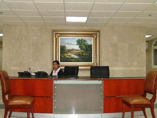 The lobby or reception area at Al Sadd Suites Hotel