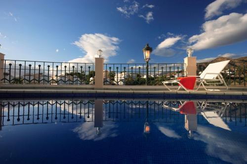 Het zwembad bij of vlak bij Apartamentos Marina Turquesa