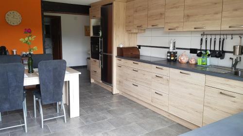 "A kitchen or kitchenette at ""Sous les Barres"""