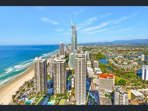 Apgyvendinimo įstaigos Luxury 5 Star Surfers Paradise Residences vaizdas iš viršaus