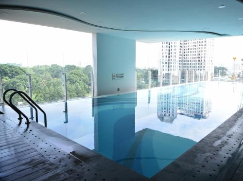 The swimming pool at or near Andy's studio near Tan Son Nhat airport, free gym and pool