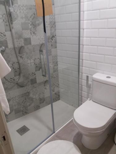 A bathroom at Hostal Mariquito