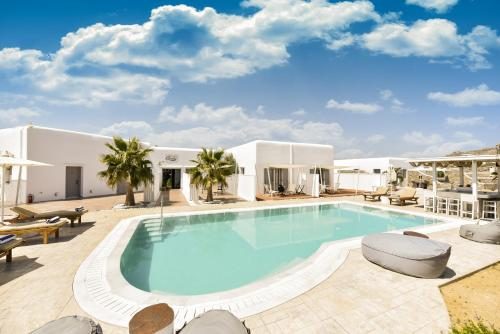 Piscina di Queen Boutique Suites o nelle vicinanze