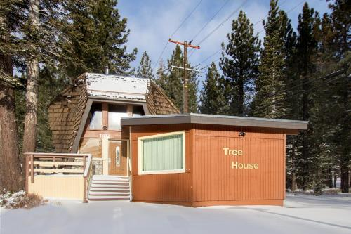 Tree House during the winter