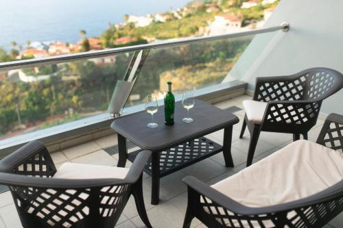 Un balcon sau o terasă la Infinity terrace: entre el cielo y el mar