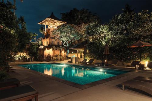 Der Swimmingpool an oder in der Nähe von The Pavilions Bali