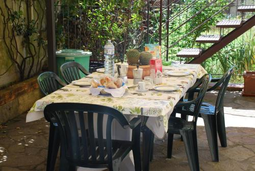 A restaurant or other place to eat at Casa morosini