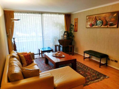 Zona de estar de Departamento Vitacura en Santiago