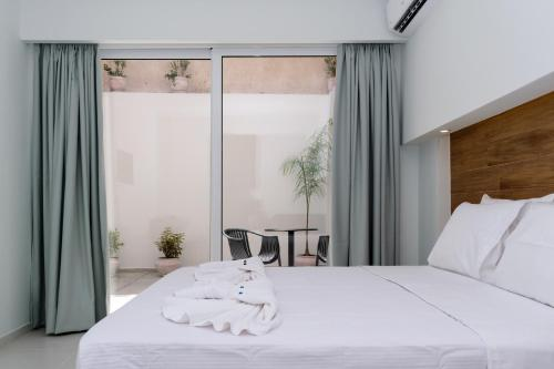 A bed or beds in a room at Notus