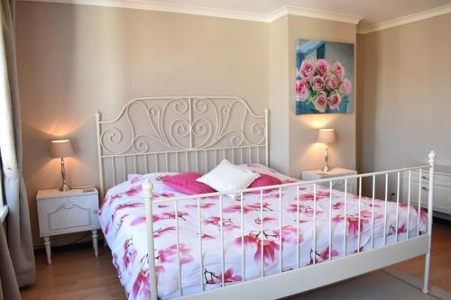Postel nebo postele na pokoji v ubytování Recht op 't Stadhuis
