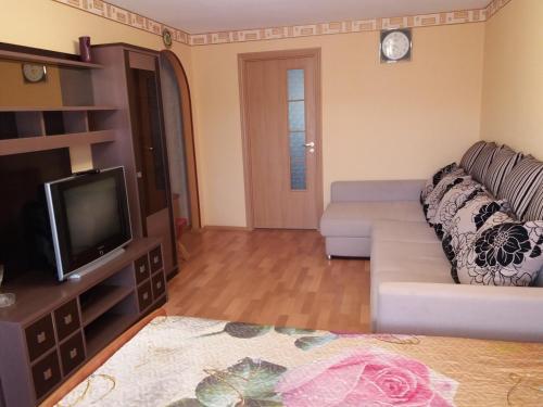 Телевизор и/или развлекательный центр в 2-х комнатная квартира в центре