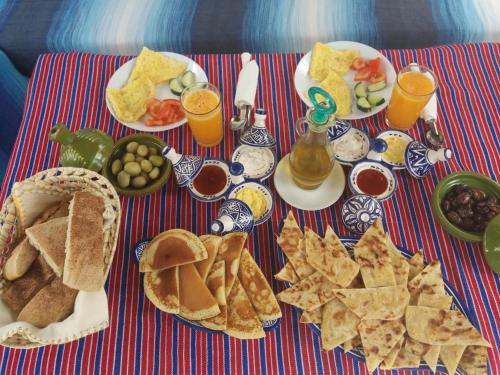 Breakfast options available to guests at Casa La Hiba