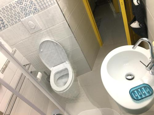 A bathroom at Sciù Sciù House
